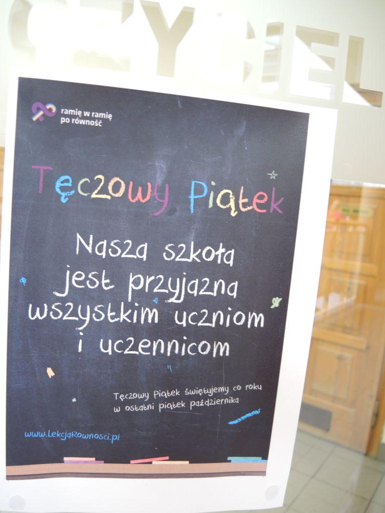 """Akcja """"Tęczowy Piątek"""" w Paderewskim"""