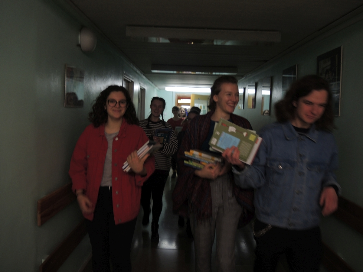 Nasi uczniowie obdarowali książkami dzieci ze szpitala