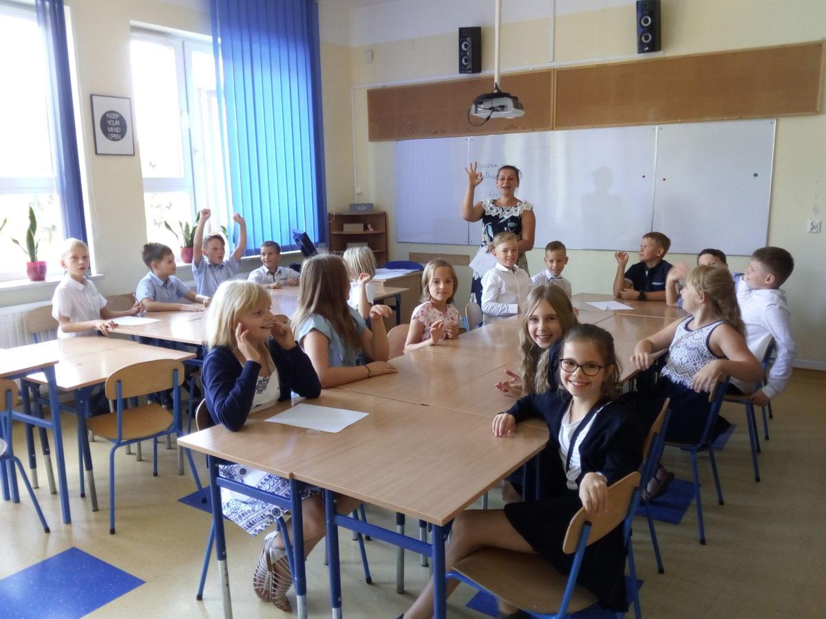 klasa 4b podczas zajęć integracyjych