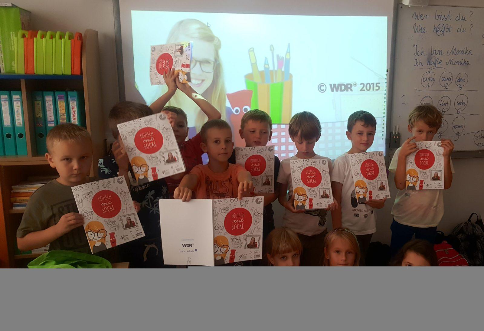 uczniowie klas 2 podczas zajęć dodatkowych z j. niemieckiego