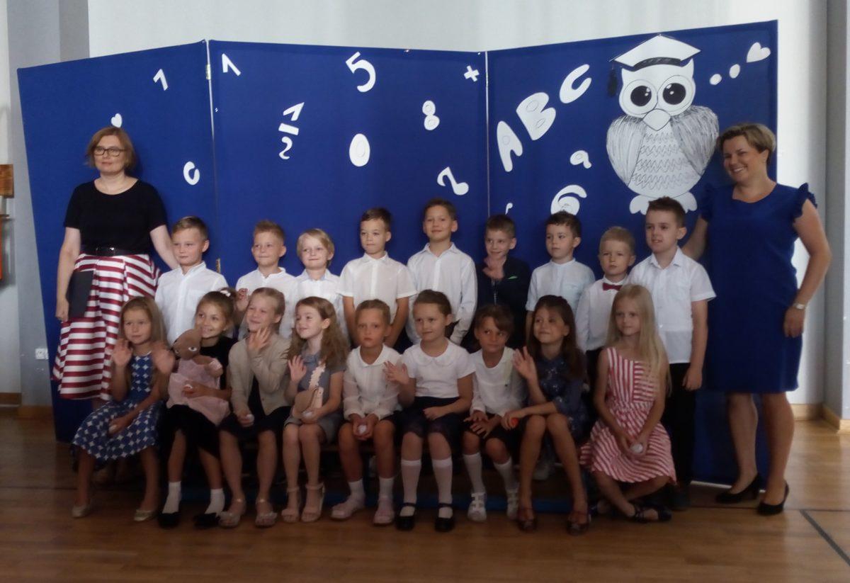 uczniowie klasy 1b