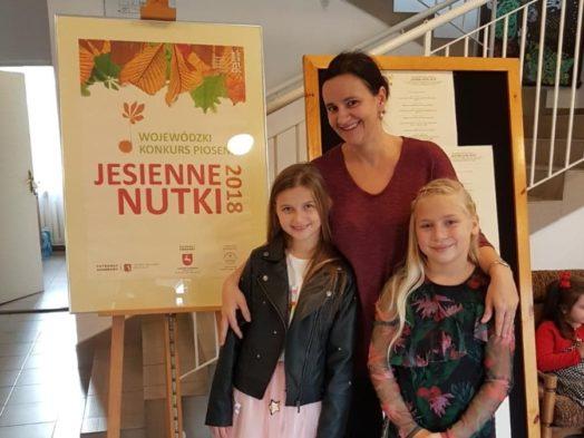 "Dominika Matysik i Oliwa Pyzik laureatkami Konkursu Piosenki ""Jesienne Nutki 2018"""
