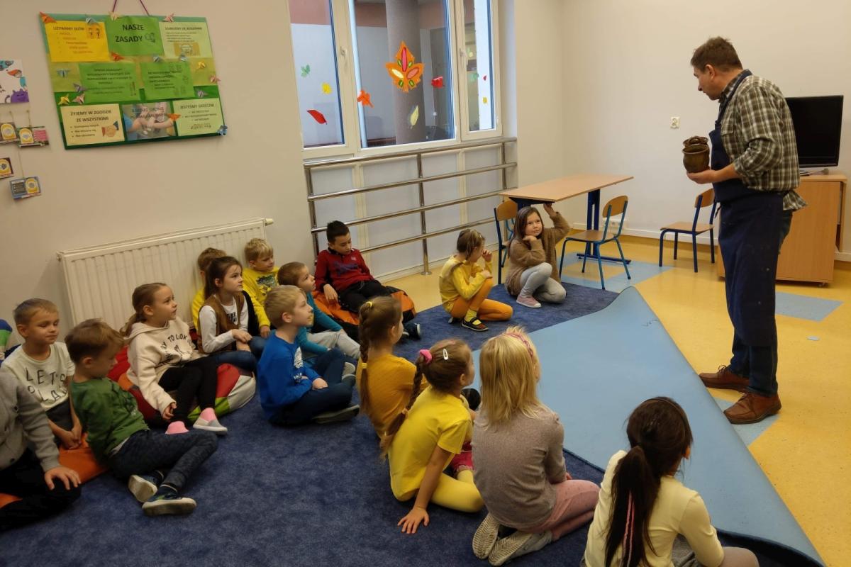 Warsztaty garncarskie dla uczniów klas pierwszych